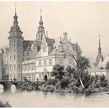 Frederiksborg Castle with the moat and the audience hall in the foreground